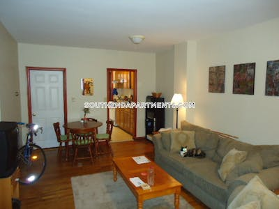 South End Awesome 3 Bed 1 Bath unit on Harrison Ave  in South End Boston - $3,400